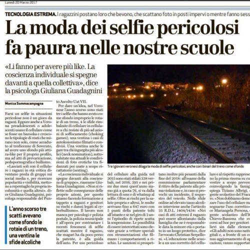 La moda dei selfie pericolosi fa paura nelle nostre scuole